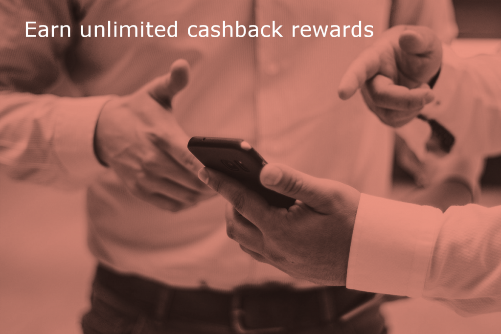 Cashback rewards for referrals to Site Review UK (Image shows two people discussing the content on the screen of a mobile phone with the caption: Earn unlimited cashback rewards)